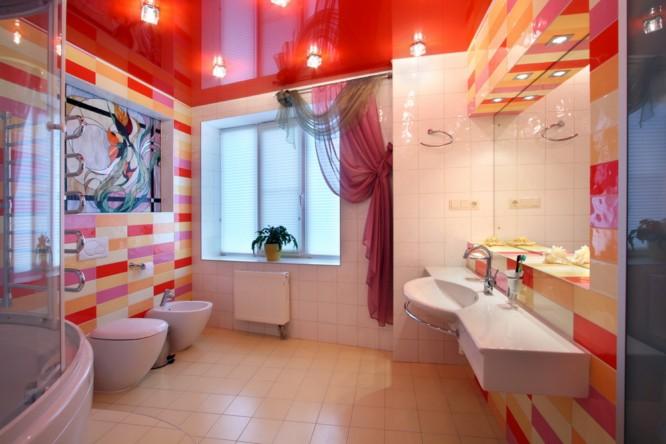 Натяжные потолки ванная душ